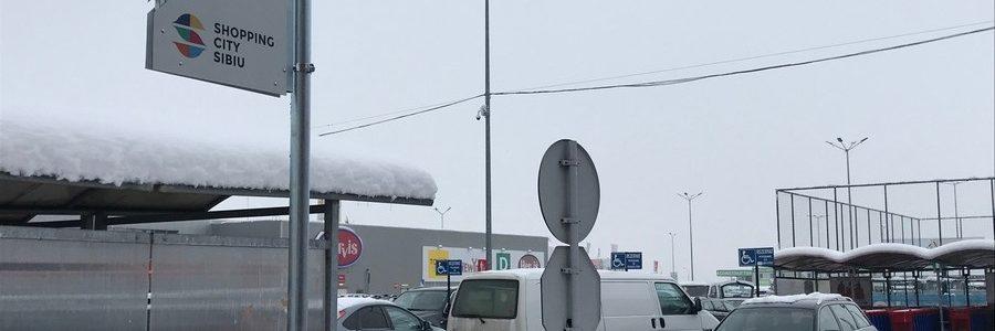 Shopping City Sibiu a desființat locurile de parcare pentru persoanele cu dizabilități. Și nu e o glumă.